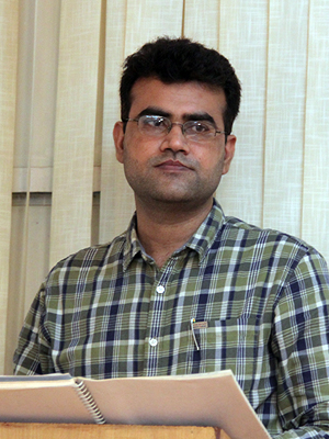 Mr. Rohit Karwasra, LLM, (10+ Years of experience in teaching Minor laws and Evidence)